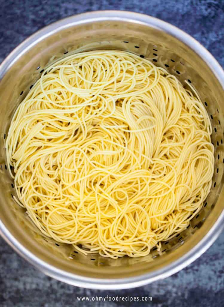 cooked and drained cantonese egg noodles