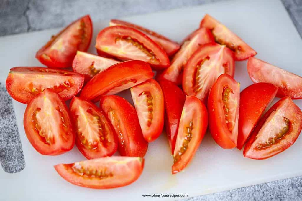 tomatoes cut up