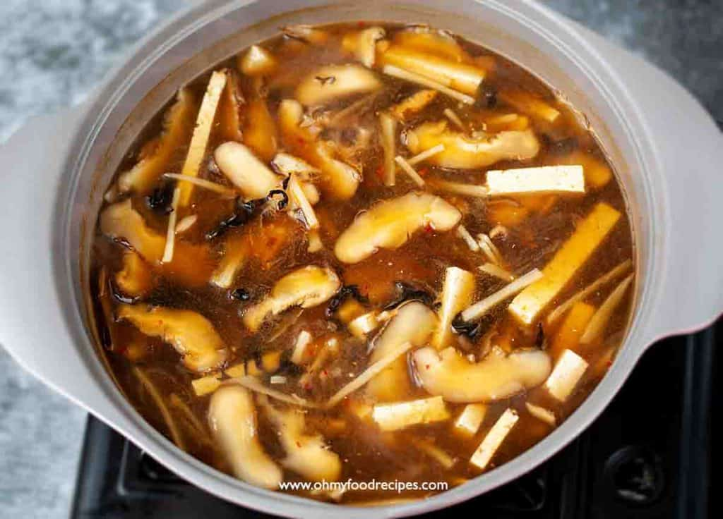 hot and sour soup thicken the soup with cornstarch