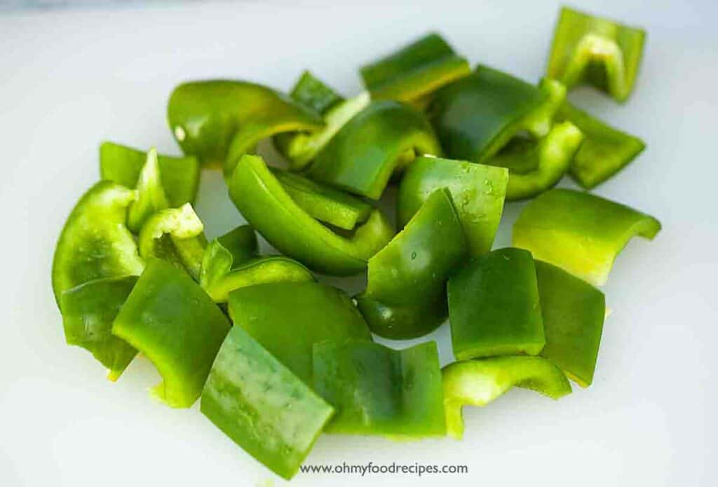 Green bell pepper cut into chunks