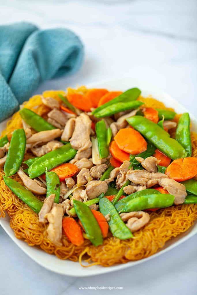 crispy pan fried noodles Chinese dish