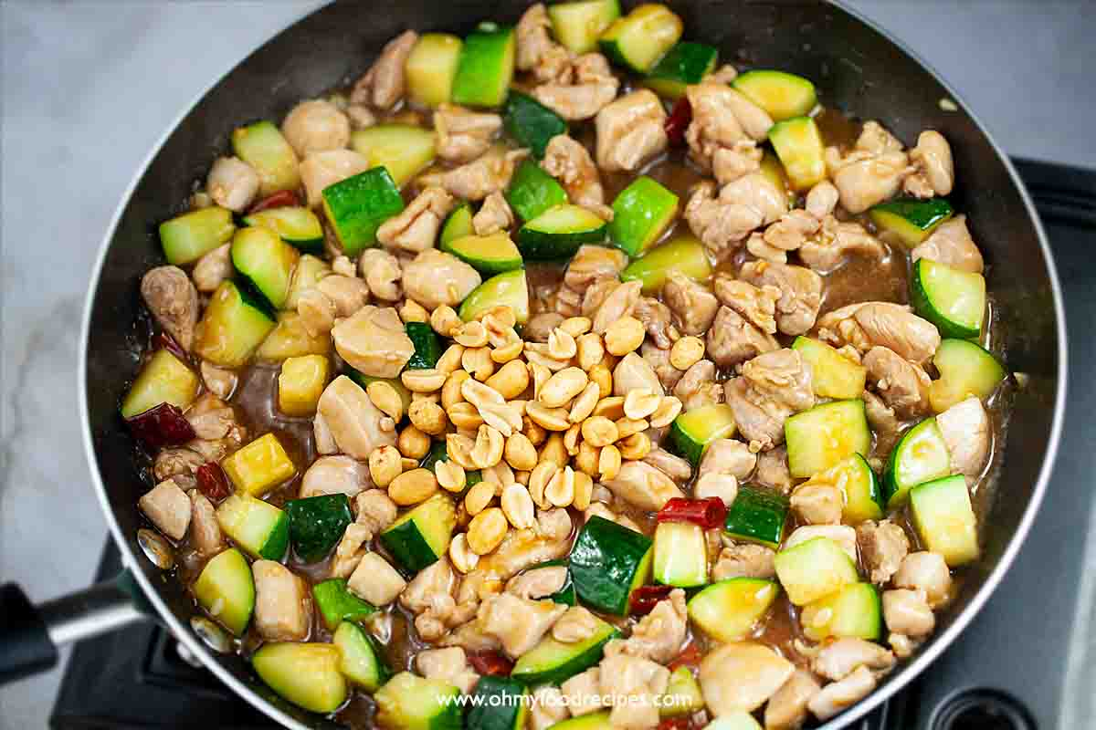 roasted peanuts stir fry with kung pao chicken