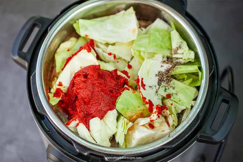 cabbage and sauce into instant pot