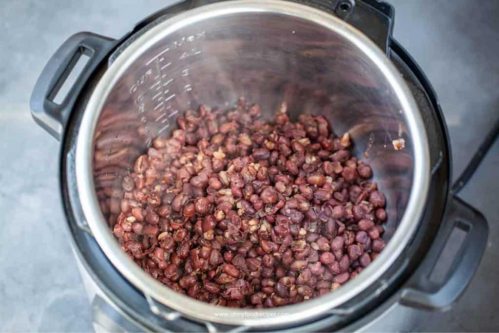 cooked adzuki bean inside instant pot