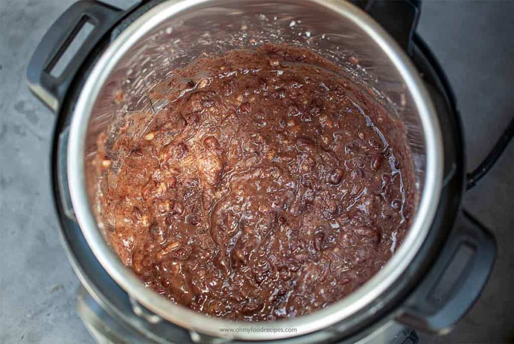 mixture of blended anko and sugar