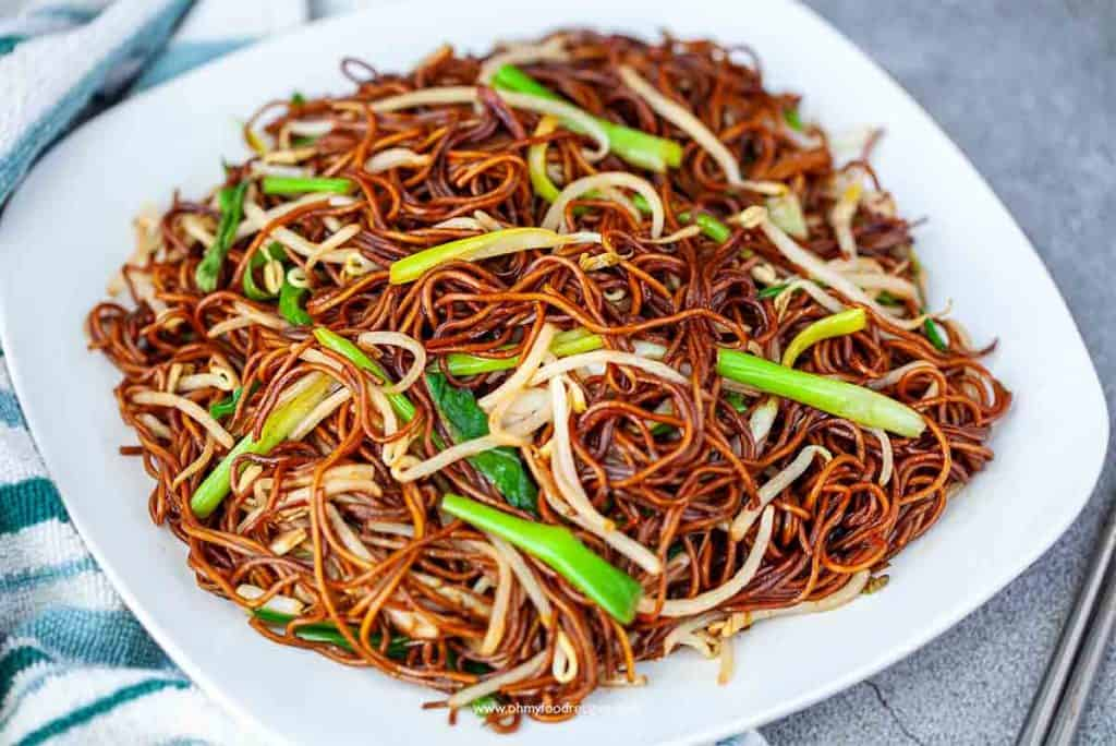 Cantonese stir fry soy sauce noodles