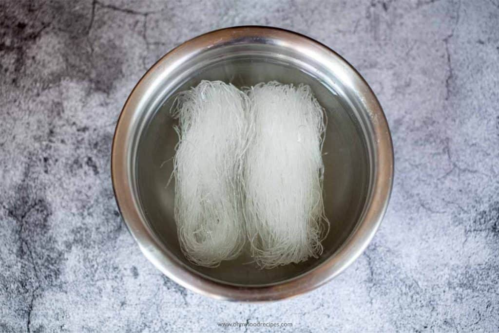 soak vermicelli noodles in a sliver bowl