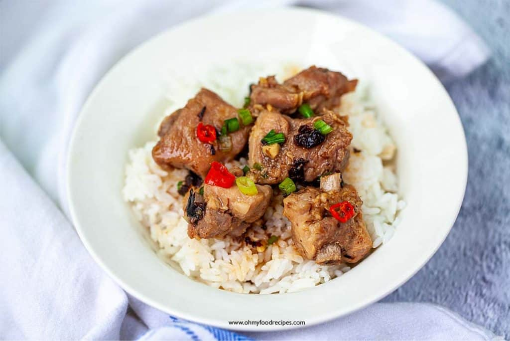 pork ribs steamed with black beans serve with rice
