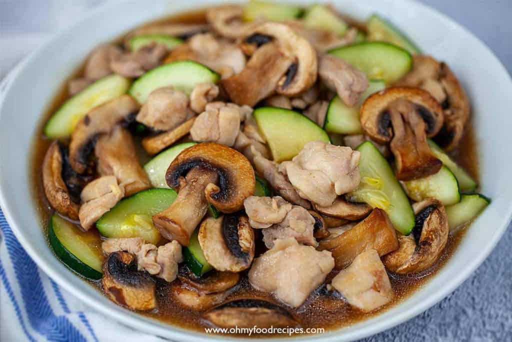 zucchini mushroom chicken stir fry close up