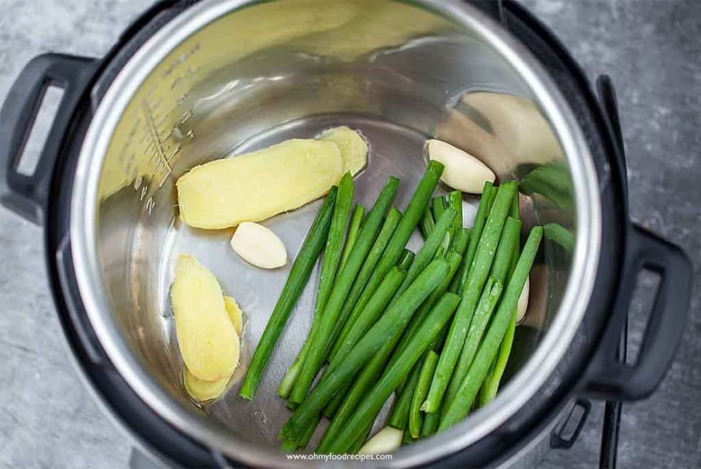 ginger garlic and green onion into the instant pot