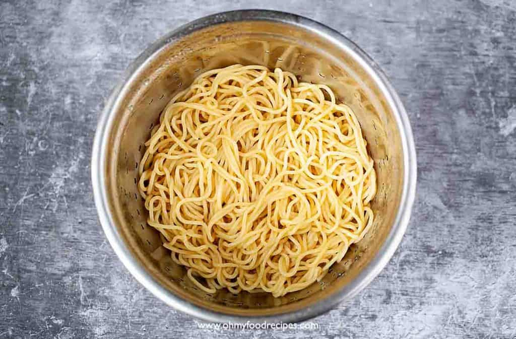 cooked and drained noodles