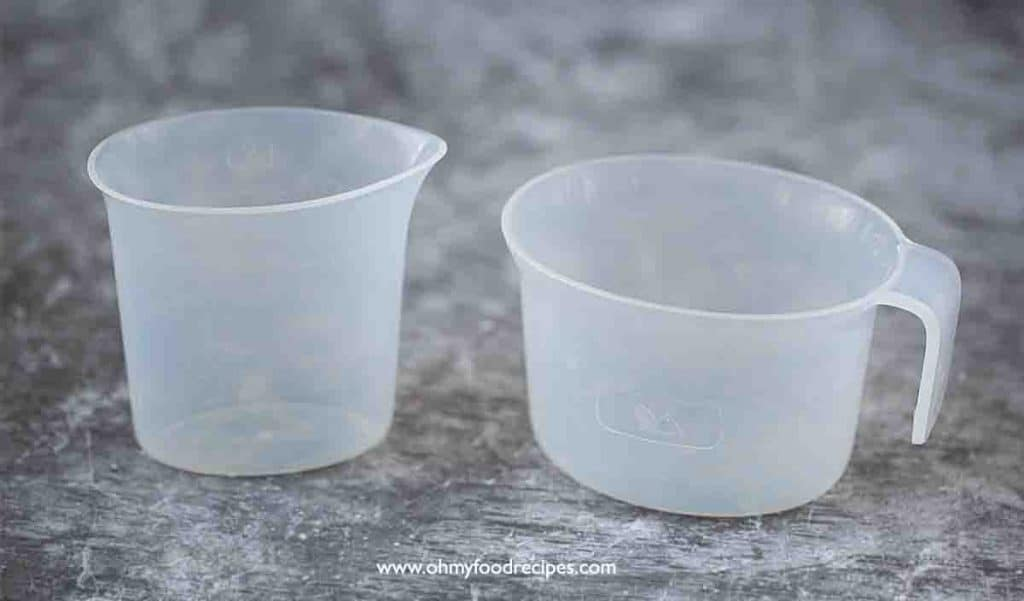 flour and liquid plastic measuring cup for Philips noodle maker