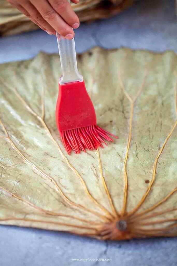 oil brushing on the lotus leaf
