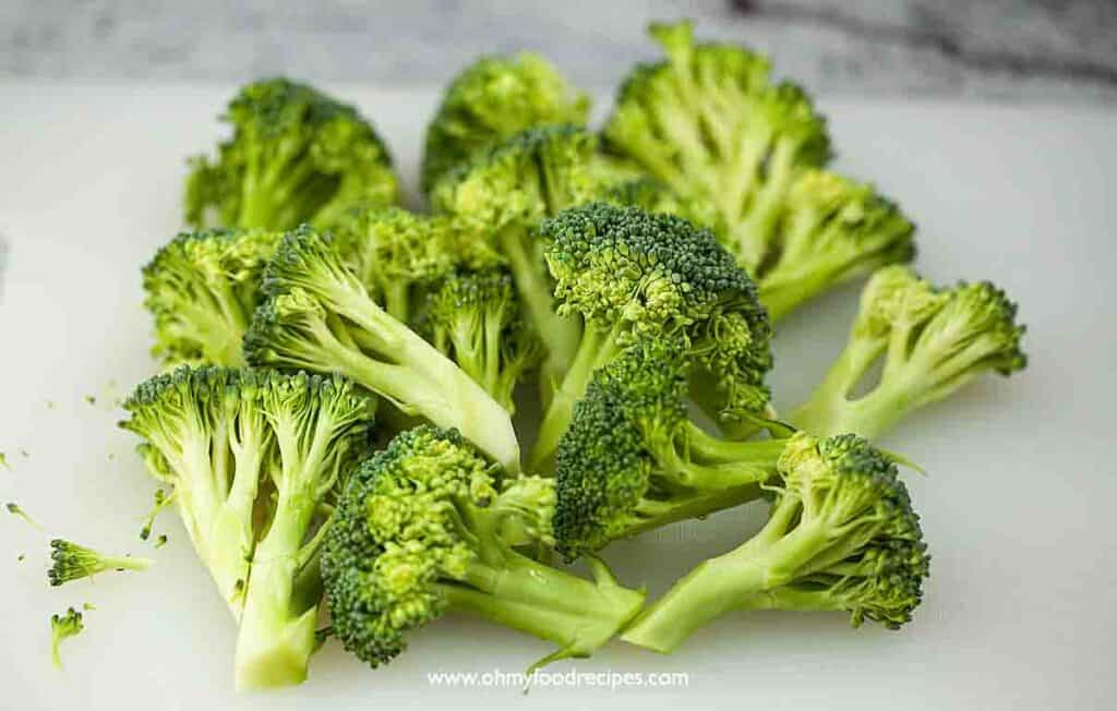 cut up broccoli on the chopping board